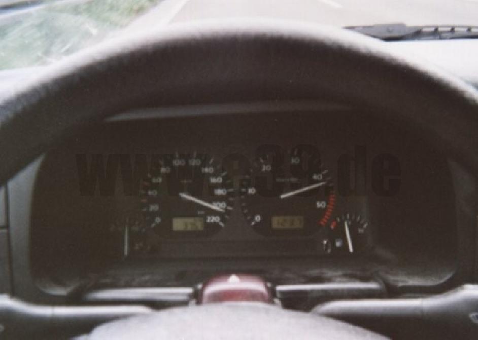 Volkswagen - Golf IV (1J1) - 1.9 TDI (90 Hp)